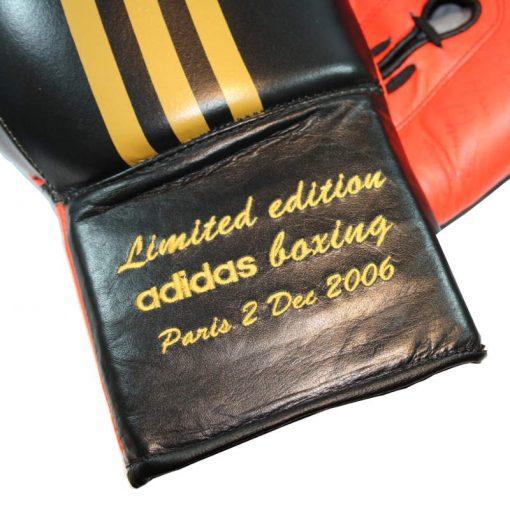 Gants de Boxe Dédicacés Myriam Chomaz Limited Edition 2006 Paris